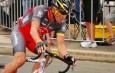« Rouler plus vite que la mort » : entre Armstrong et les vélos à moteur, il n'y aurait qu'un pas
