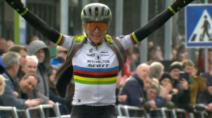 Annemiek van Vleuten - Vainqueur Circuit Het Nieuwsblad 2020 - Capture Proximus Sports