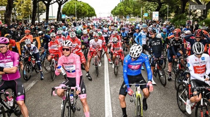 Peloton - Départ 12e étape Tour d'Italie 2020 - RCS Sport La Presse