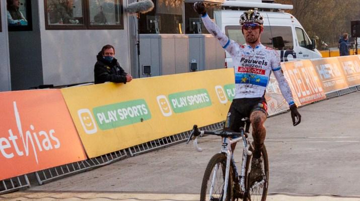 Eli Iserbyt - Vainqueur cyclo-cross Boom 2020 - Alain Vandepontseele