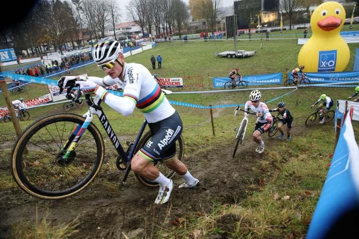 Mathieu Van der Poel 2 - Cyclo-cross d'Anvers 2020 - Alain Vandepontseele