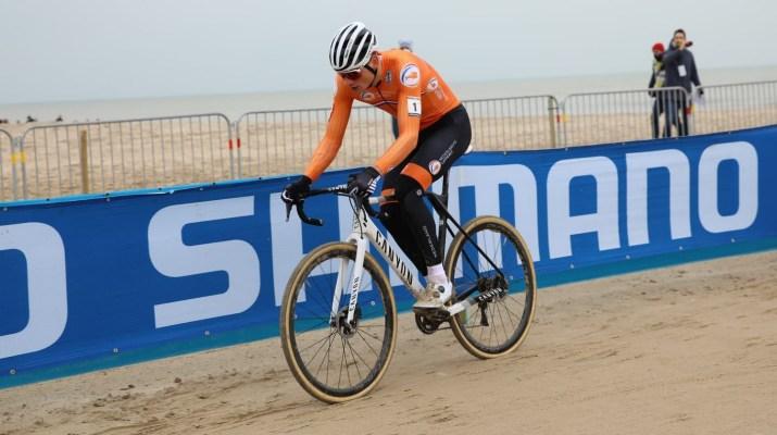 Mathieu Van der Poel Solo - Championnats du monde de cyclo-cross 2021 - Alain Vandepontseele