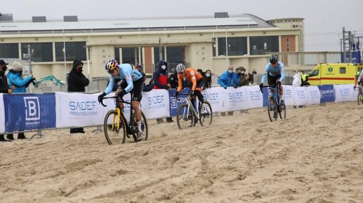 Wout van Aert Mathieu Van der Poel Toon Aerts Plage - Championnats du monde de cyclo-cross 2021 - Alain Vandepontseele
