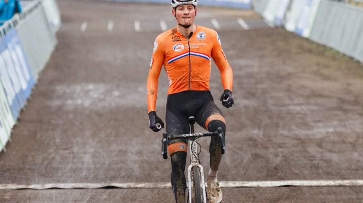 Mathieu Van der Poel après la ligne - Championnats du monde de cyclo-cross 2021 - Alain Vandepontseele