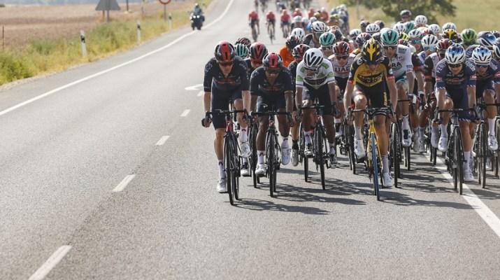 Peloton Bordures - 6e étape Tour d'Espagne Vuelta 2021 - ASO GOmezSport Luis Angel Gomez.jpg
