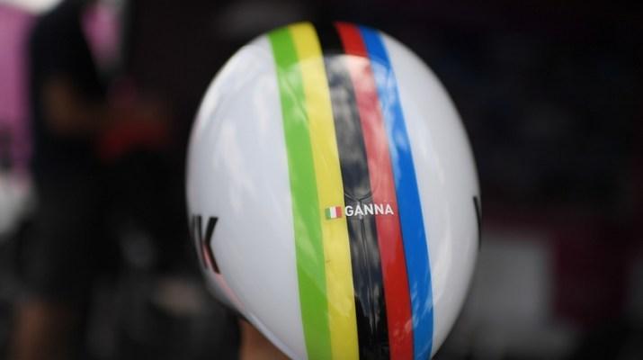 Filippo Ganna - Casque arc-en-ciel Champion du monde Contre-la-montre - RCS Sport La Presse Marco Alpozzi