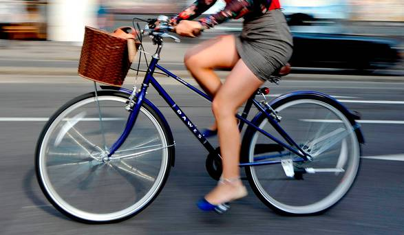 Cycling to work linked with large health benefits