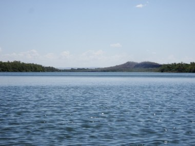 The river gets pretty wide as I approach Kununurra