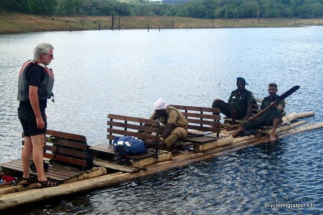 sur les bambous rafting