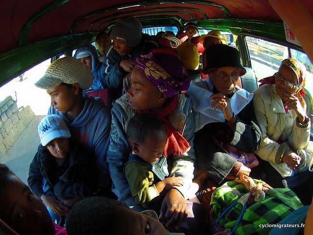 Dans le taxi brousse