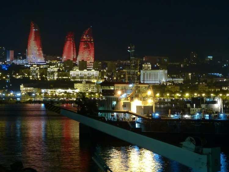 Alov Qüllələri Baku Flame Tower skyscrapers