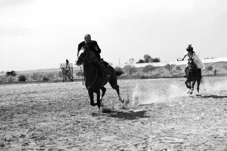 Kyz Kuu horse race woman man