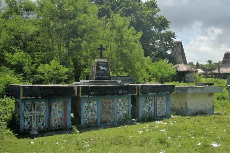 monoliti Sumba Indonesia