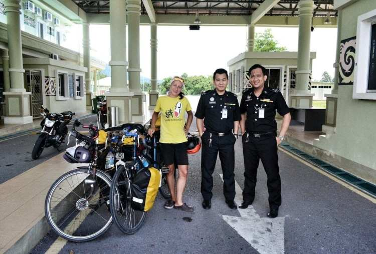 Aruk Border Crossing Indonesia - Malaysia