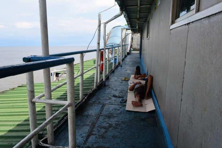 Nave Borneo Java