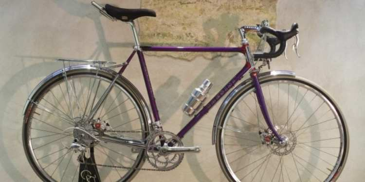 Custom bicycle made in italy Chesini touring