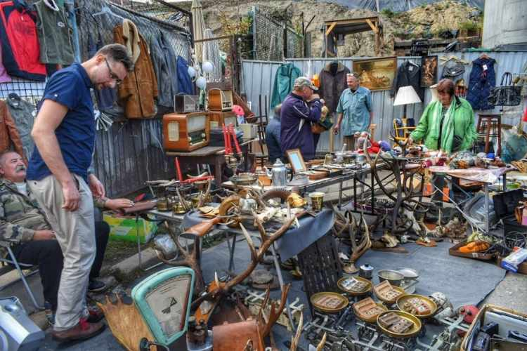 flea markets in Warsaw