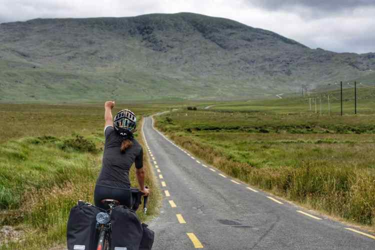 Cycling Ballaghiseen Pass ring of kerry