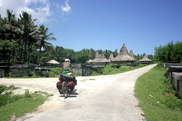 cycling sumba