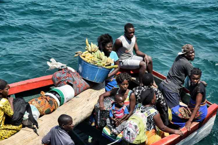 boat lake malawi