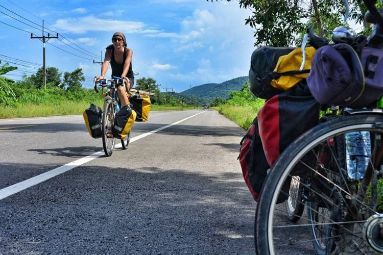 bike touring thailand