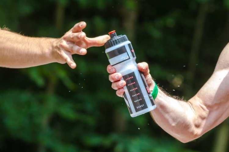 pro cyclist water bottle
