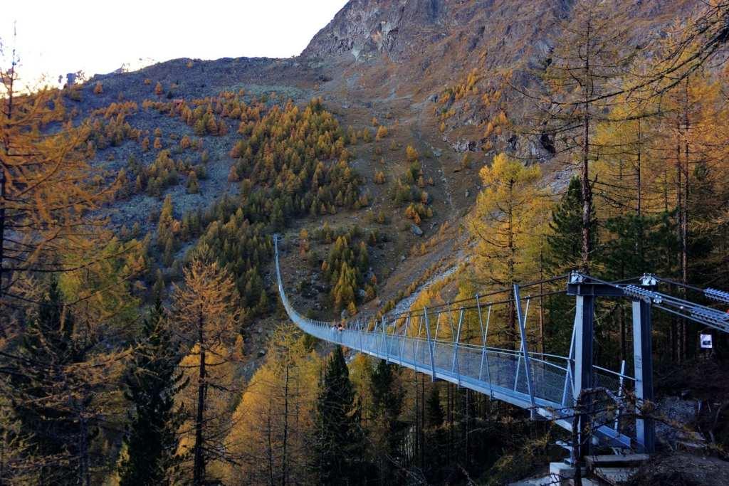 hiking Charles Kuonen Suspension Bridge