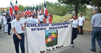 delegaciones_de_los_diferentes_centros_educativos_de_la_ciudad_de_san_francisco_de_macor_s_que_participaron_en_la_caminata_con_motivo_del_mes_de_la_prevenci_n_del_abuso_infantil-350x0