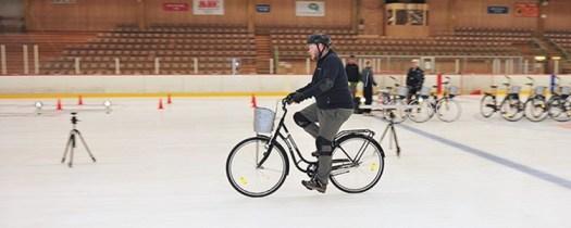 VTI testar cykeldäck på is.