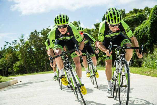 Svenska POC sponsrar med gröna hjälmar och brillor.