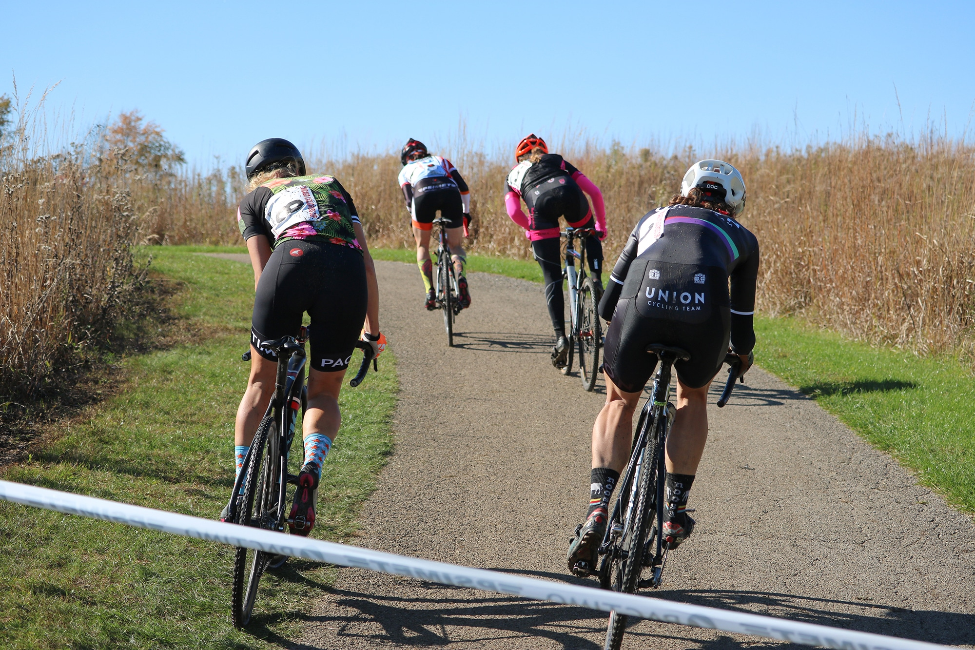 4 women riding climb during Chicago Cross Cup