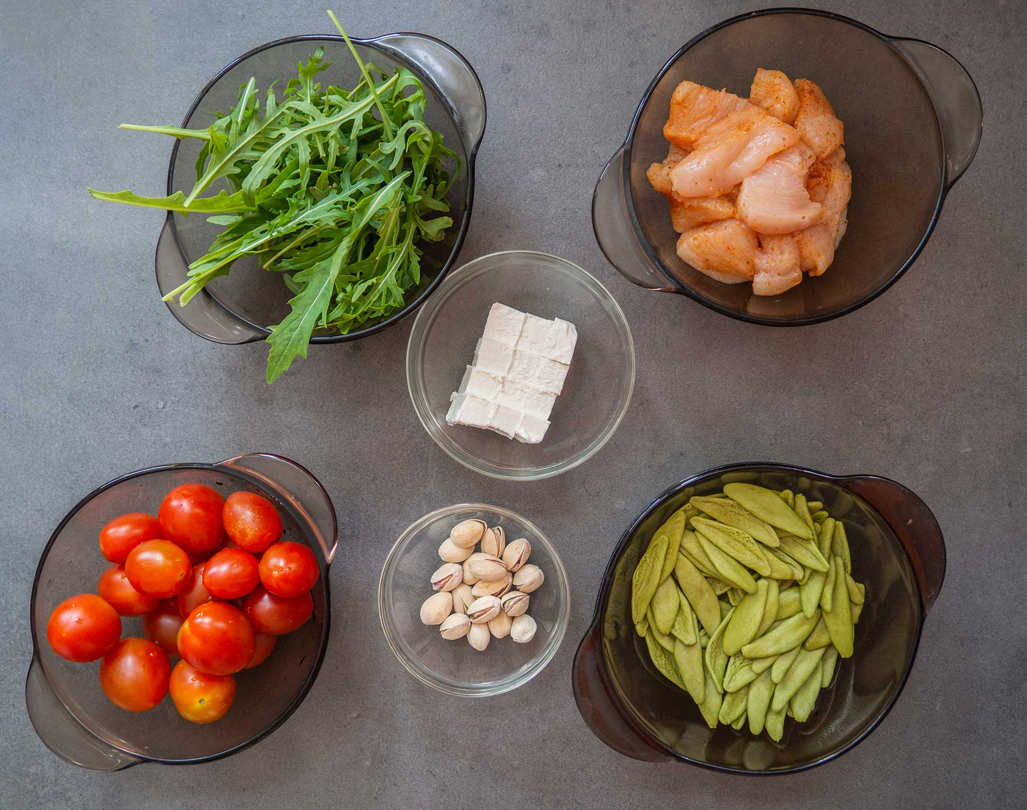 Spinach pasta with chicken ingredients