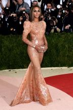 Beyonce-at-The-Metropolitan-Museum-of-Arts-COSTUME-INSTITUTE-Benefit