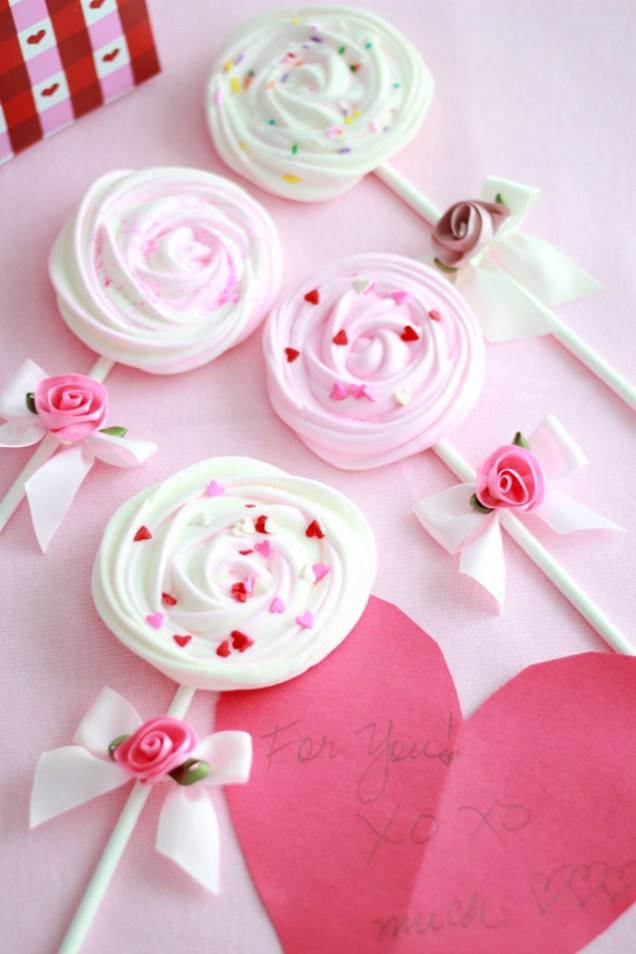 meringue-pops-heart