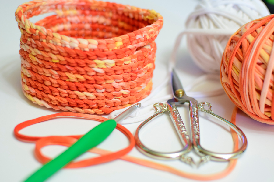 CREATE YOUR YARN USING KNIT COTTON FABRIC