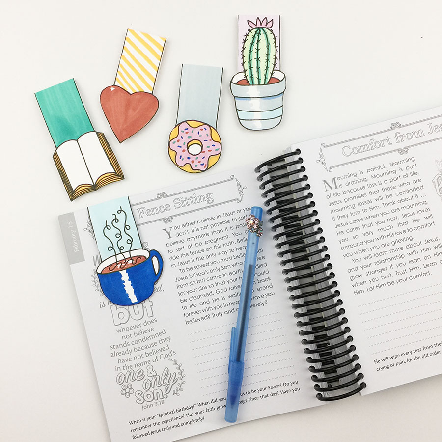 Papercrafting - DIY Magnetic Bookmarks