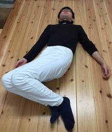 柔軟体操、筋トレを効率的ながら運動 腰