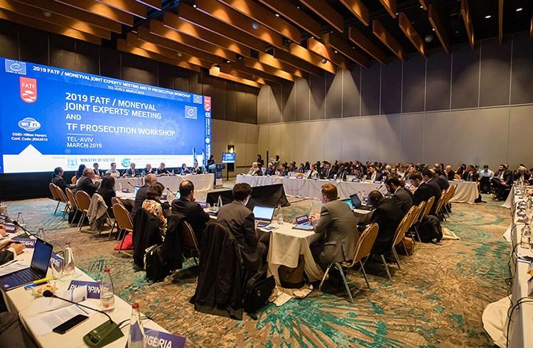 Políticos se reúnen para finalizar completar recomendaciones globales frente a las criptomonedas