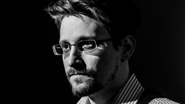 """La demanda del gobierno de los EE.UU. al libro de Edward Snowden podria ser """"buena para Bitcoin"""""""