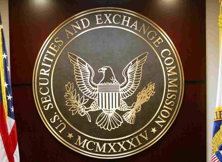"""SEC propone modernizar la definición de """"Inversionista Acreditado"""" para dar acceso a las criptomonedas"""