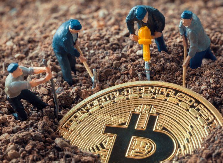 """Mineros de Bitcoin (BTC) se muestran preocupados por retrasos en el envío de equipo minero cerca del """"halving"""""""
