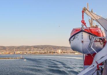 Promem z Limassol na greckie wyspy?