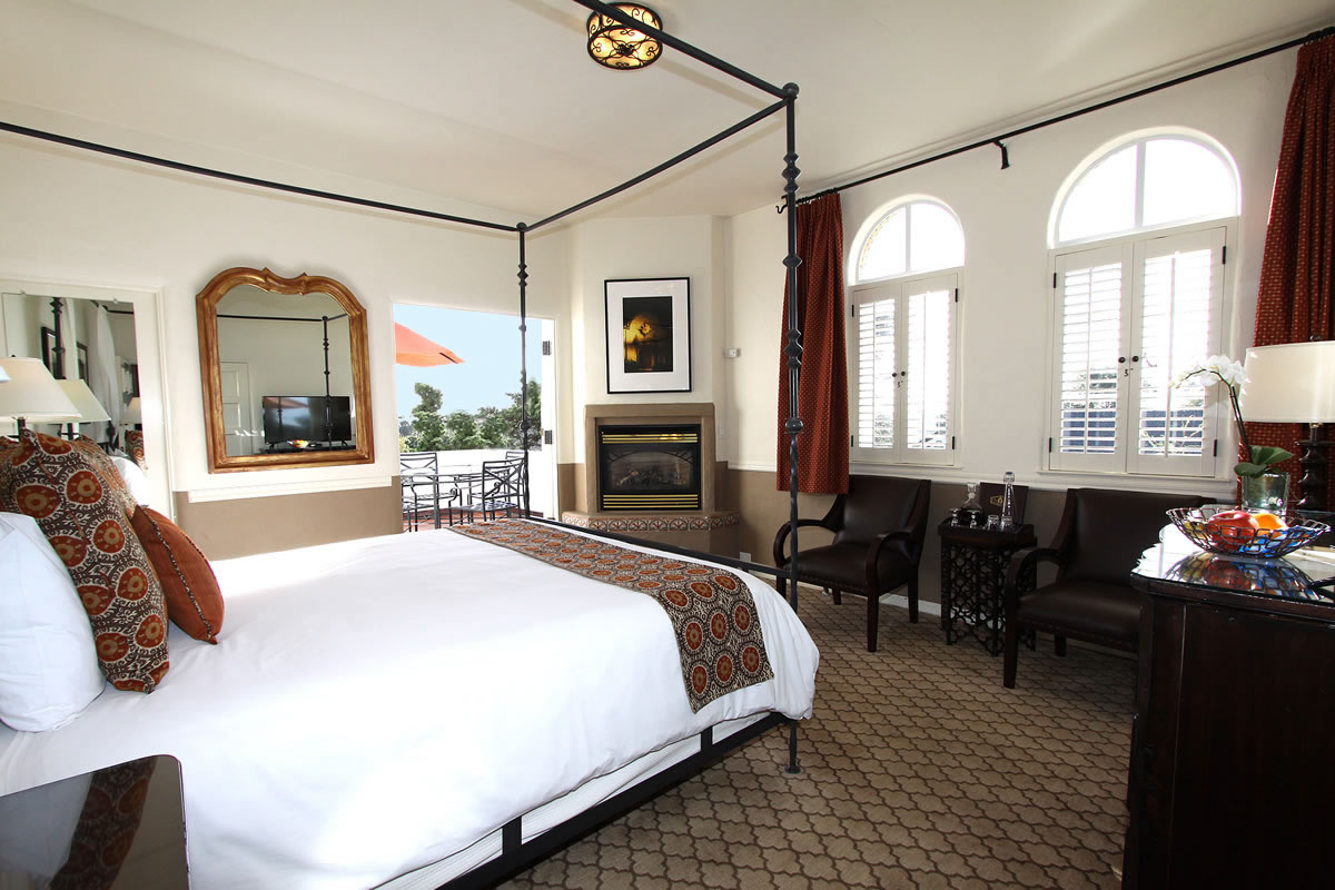 Carmel Hotel Rooms Amp Rates Cypress Inn