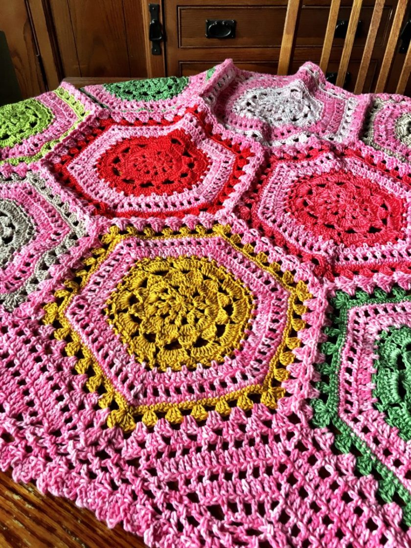 free crochet pattern Carefree Blanket