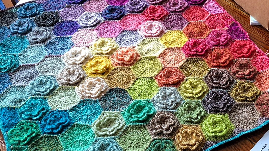 Relaxghan No. 6 - Happy Little Tree Crochet Blanket - for Absolute Beginners