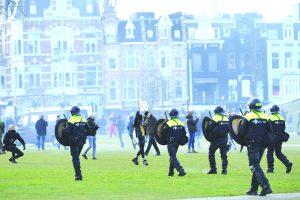 Ο Ολλανδός πρωθυπουργός Rutte επιβεβαιώνει ότι το κλείδωμα θα διαρκέσει τουλάχιστον τον Μάρτιο