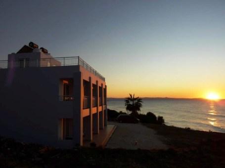 """Mourayio Apartments & Villas """"AKROYIALLI"""" – Pomos"""
