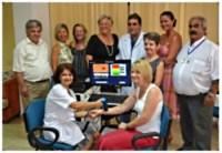 NCCCTmembers present Molemax to Dr Beyoglu and Fatma Deniz