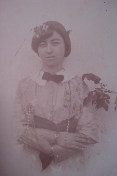 Hatice Alisan. 1918