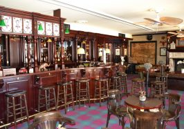 What a wonderful bar to sit at and sup a pint like our gradads did